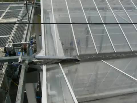 Roofmaster Light roof washer - Glinwell PLC.mp4
